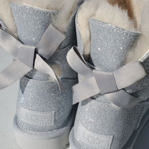 Silver glitter UGGS SIZE 9 BaileyBow
